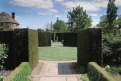 http://gardenpanorama.cz/wp-content/uploads/sisinghurst_0101-170x115.jpg